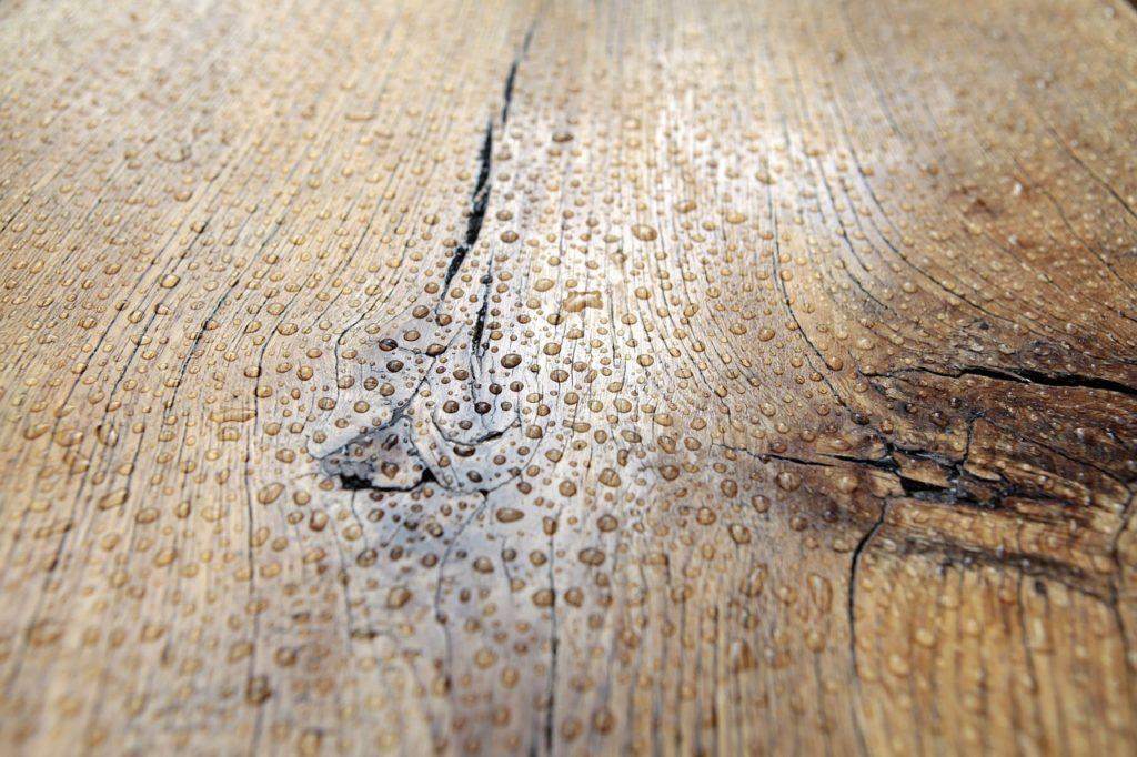 Tipi-di-legno-per-mobili