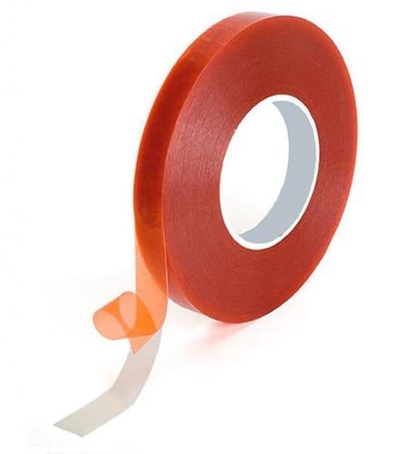Strisce-adesive-attaccare-uno-specchio-al-muro-senza-chiodi