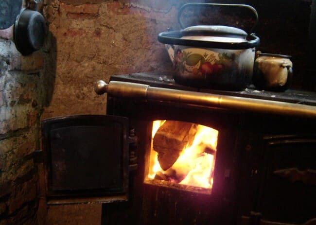 Tipi-di-piani-cottura-Cucina-a-legna